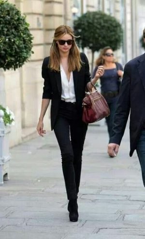 Working Girl in Montaigne